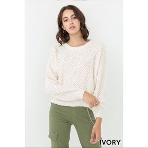 Long Sleeve Chunky Knit Pullover Sweater - Ivory